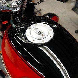 Aero cap compliments this Moto Guzzi tank perfectly