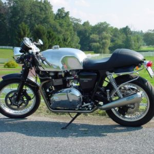 Another beautiful example of a Slippery Sam tank on a Triumph Thrux TA Baker tank