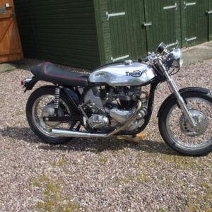 Sprint style tank without indents on a very nice Triumph powered Triton
