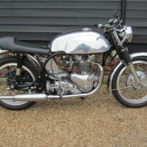 A 5 gallon Manx tank on this lovely 1954 Norton Dominator (Triumph powered Triton)