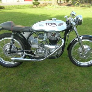 TAB Lyta style Sprint tank and oiltank on this pretty little Triumph powered Triton