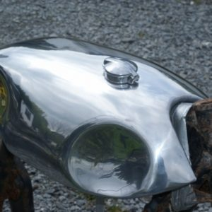 Adapted Lyta style short circuit (Sprint) Alloy Fuel Tank on Yamaha XS650