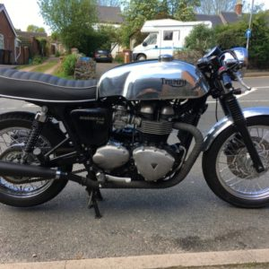 5 gallon Manx tank on an EFI Triumph Bonneville - very retro!